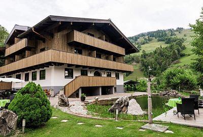 Motorrad Hotel MoHo Landhaus Jausern