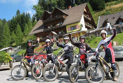 Motorrad Hotel ***Erlebnisgasthof Moasterhaus inmitten vom Trialpark