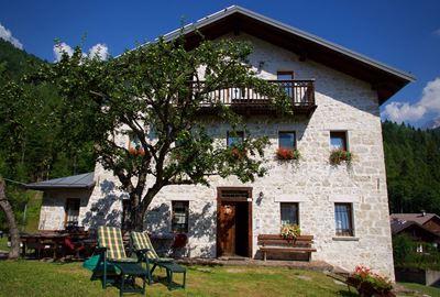 Motorrad Hotel Villa Chele