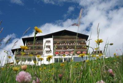 Motorrad Hotel MoHo Alpenhotel Laurin