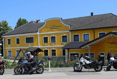 Motorrad Hotel MoHo Perbersdorfer Heuriger