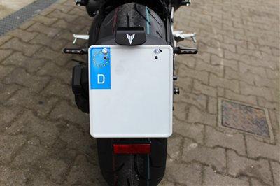 Umbau Yamaha MT09 Kennzeichenhalter