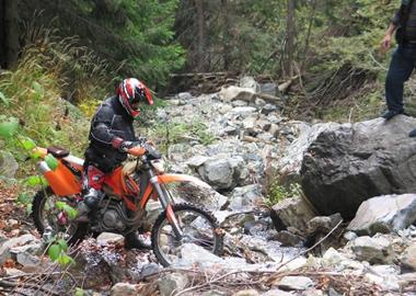 Motorrad Tour Enduro mit Emy in Rumänien, neben Ungarn
