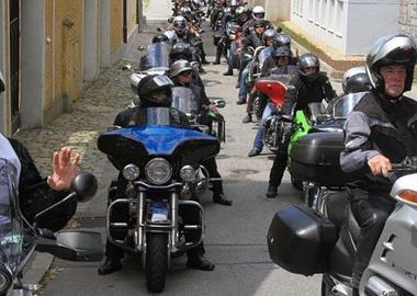 Motorrad Termin  Benefizkorso in Passau