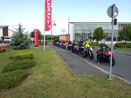 Kundenausfahrt 2014 Unsere Kundenausfahrt wird am 14.06.2014 stattfinden. Die Länge der Strecke wird ca. 250km betragen.Die Teilnehmerzahl wird max. 30 Motorräder betr...