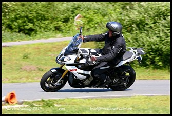 Kurventraining mit Motorrad Briel