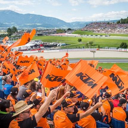 """MotoGP am Red Bull Ring vom 10.08. bis 12.08.2018  Beim """"Heimspiel"""" in der Steiermark am Red Bull Ring lässt sich KTM nicht lumpen. Es gibt wie die letzten Jahre auch schon das KTM Fan Package mit ..."""