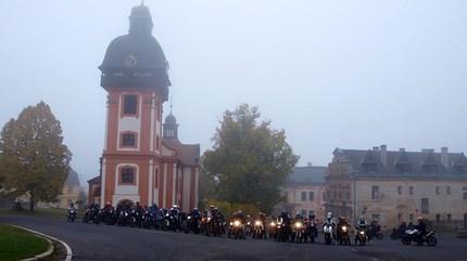Abgasen am 21.10.2012 Unsere diesjährige Tour zum Abgasen führte von Lößnitz über Zwönitz, Elterlein, Finkenburg, Schlettau und Sehma nach Bärenstein. Von dort aus ging ...