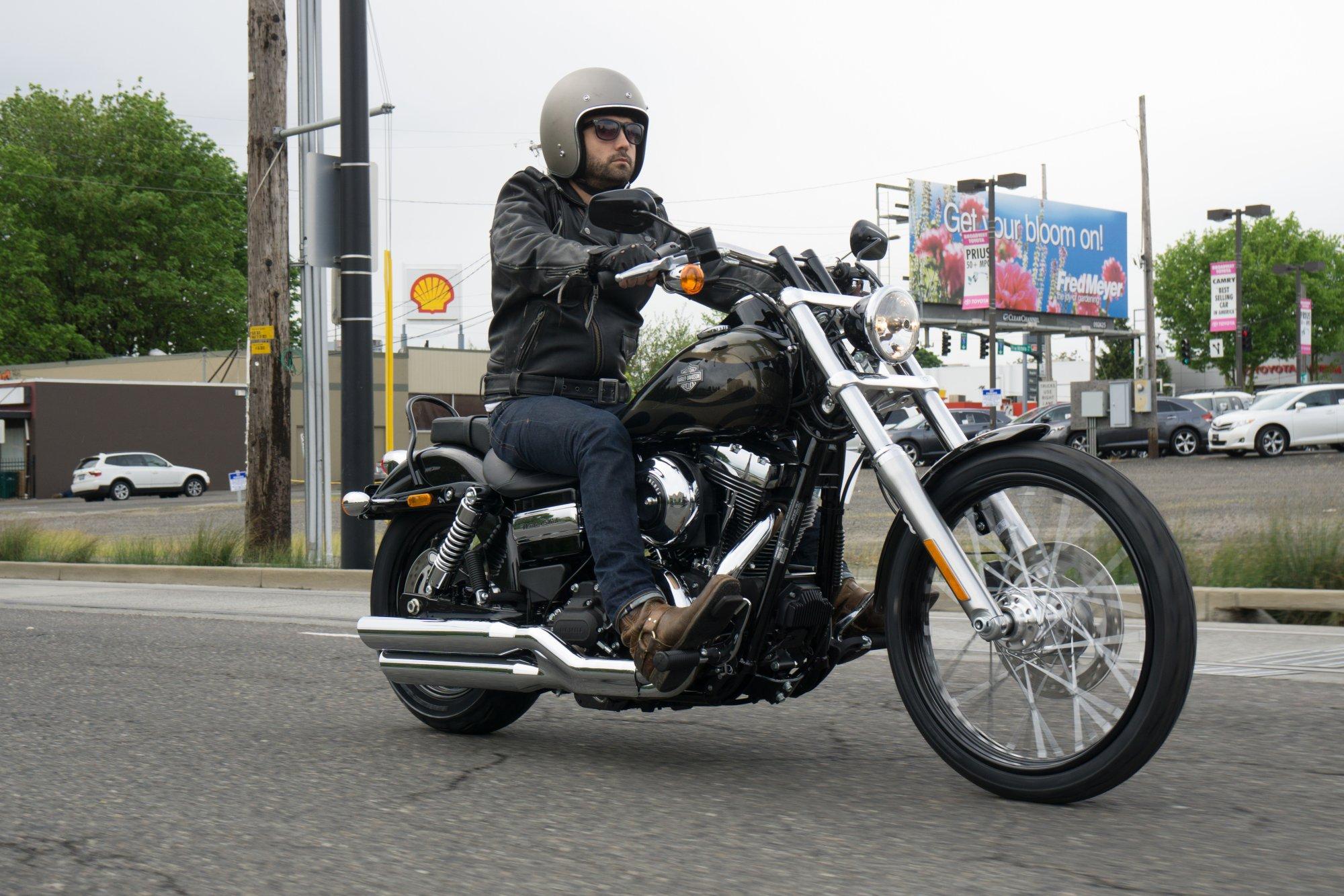 Harley Davidson Dyna Wide Glide  Technische Daten