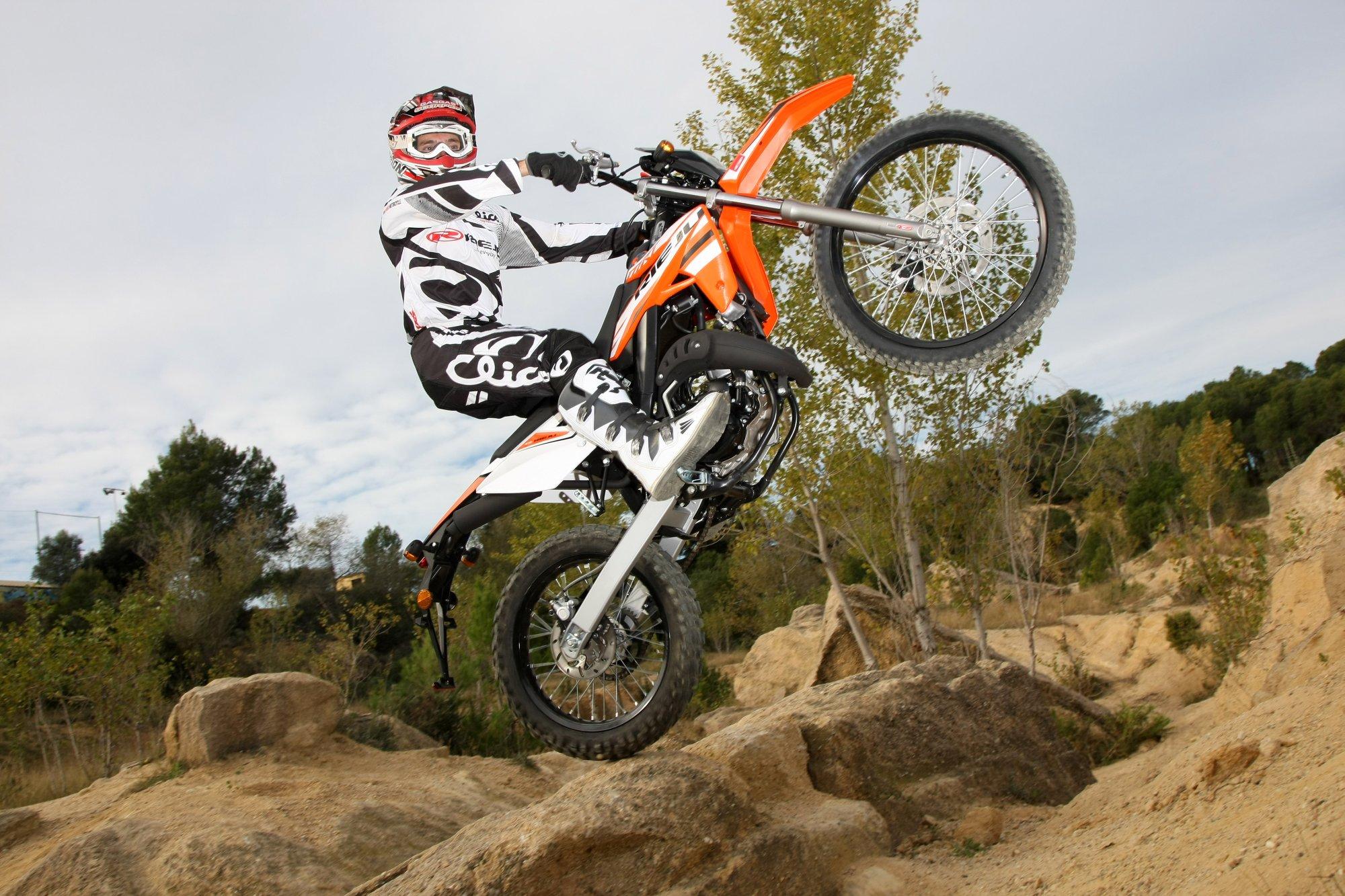 Rieju Mrt Racing 50 Bilder Und Technische Daten