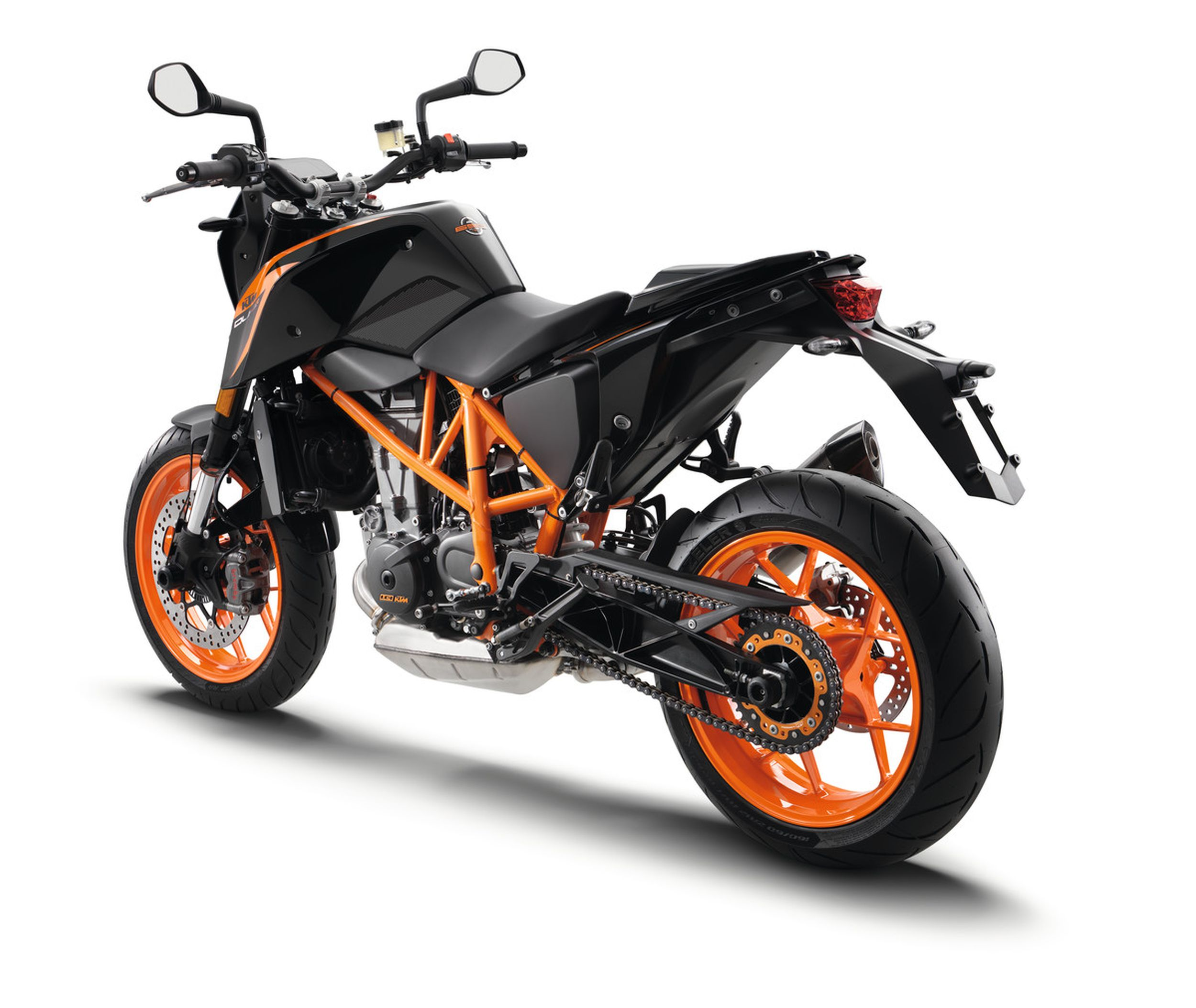 ktm 690 duke r test gebrauchte bilder technische daten. Black Bedroom Furniture Sets. Home Design Ideas