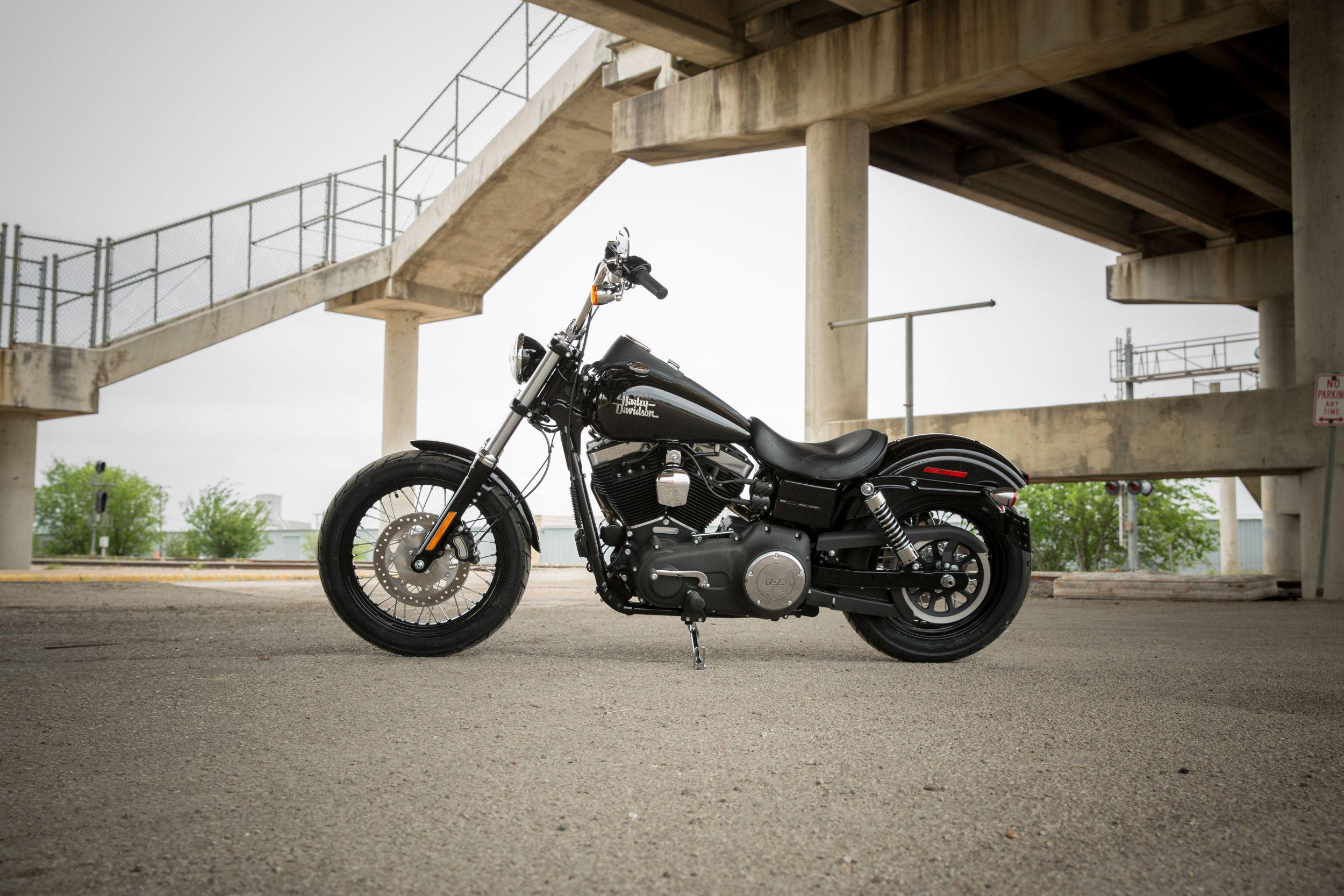 Gebrauchte Harley-Davidson Dyna Street Bob FXDB Motorräder kaufen