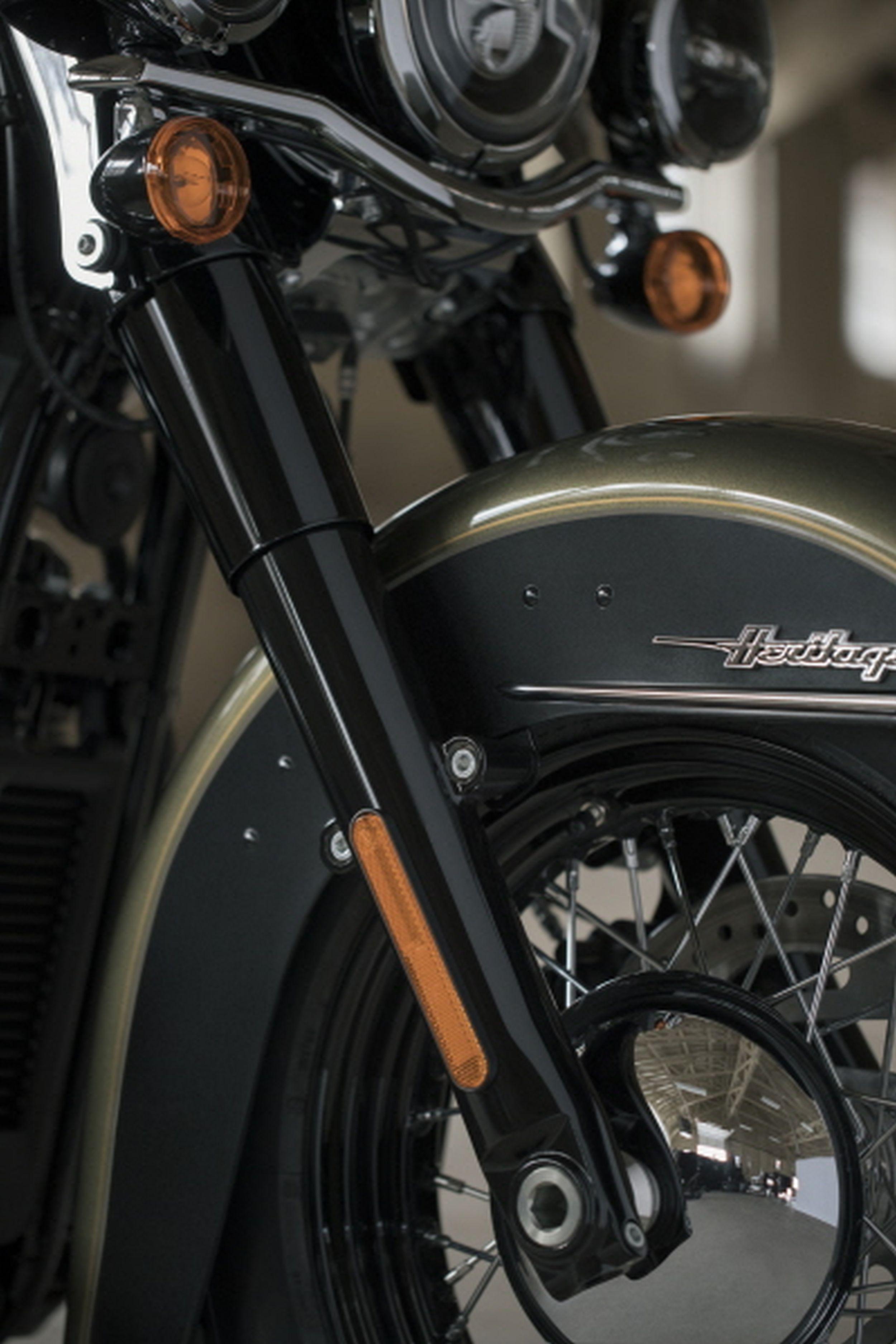 Gebrauchte und neue Harley-Davidson Softail Heritage Classic FLHC ...