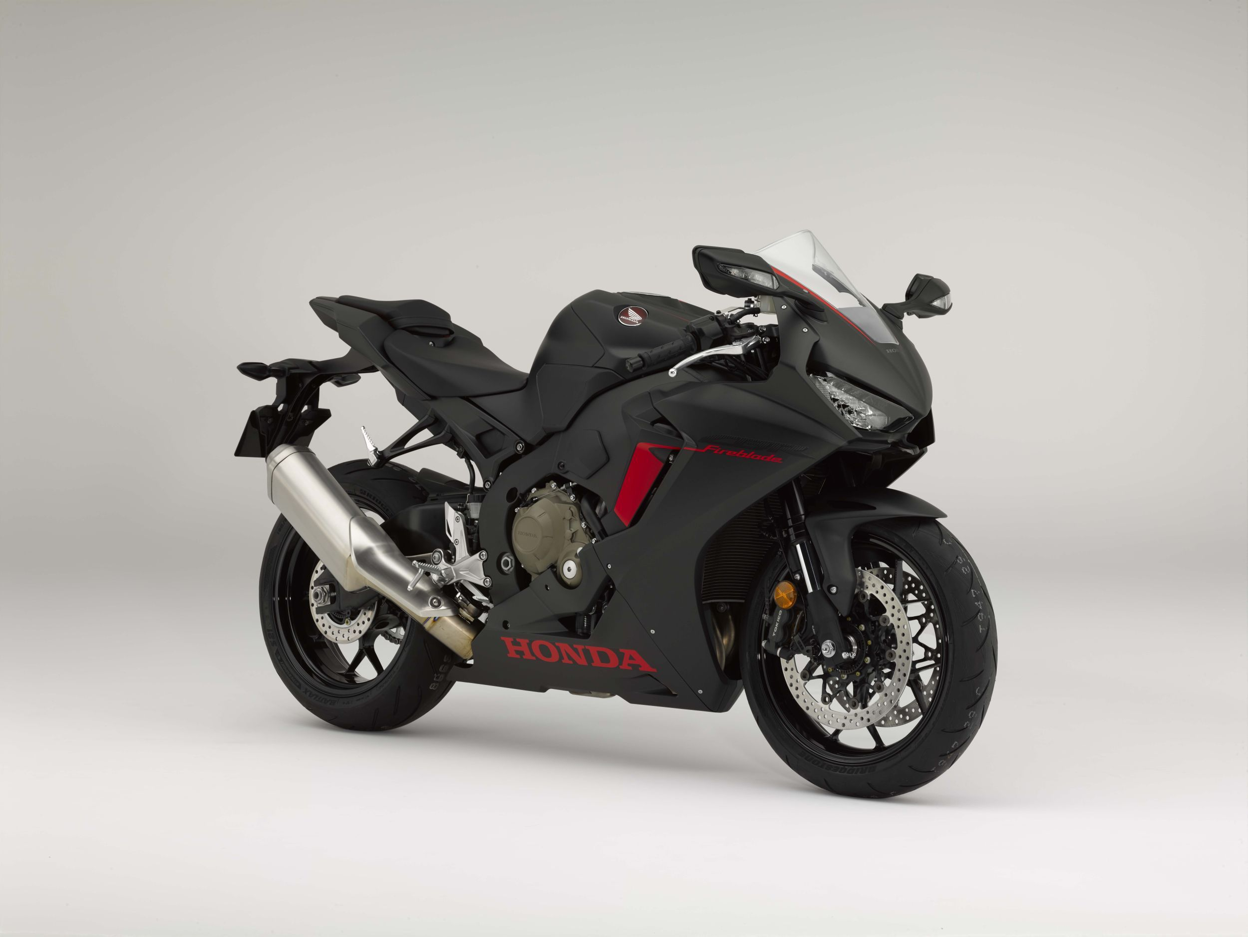 honda cbr 1000 rr fireblade test gebraucht kaufen technische daten. Black Bedroom Furniture Sets. Home Design Ideas
