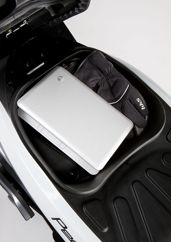 gebrauchte und neue kymco people gt 125i motorr der kaufen. Black Bedroom Furniture Sets. Home Design Ideas