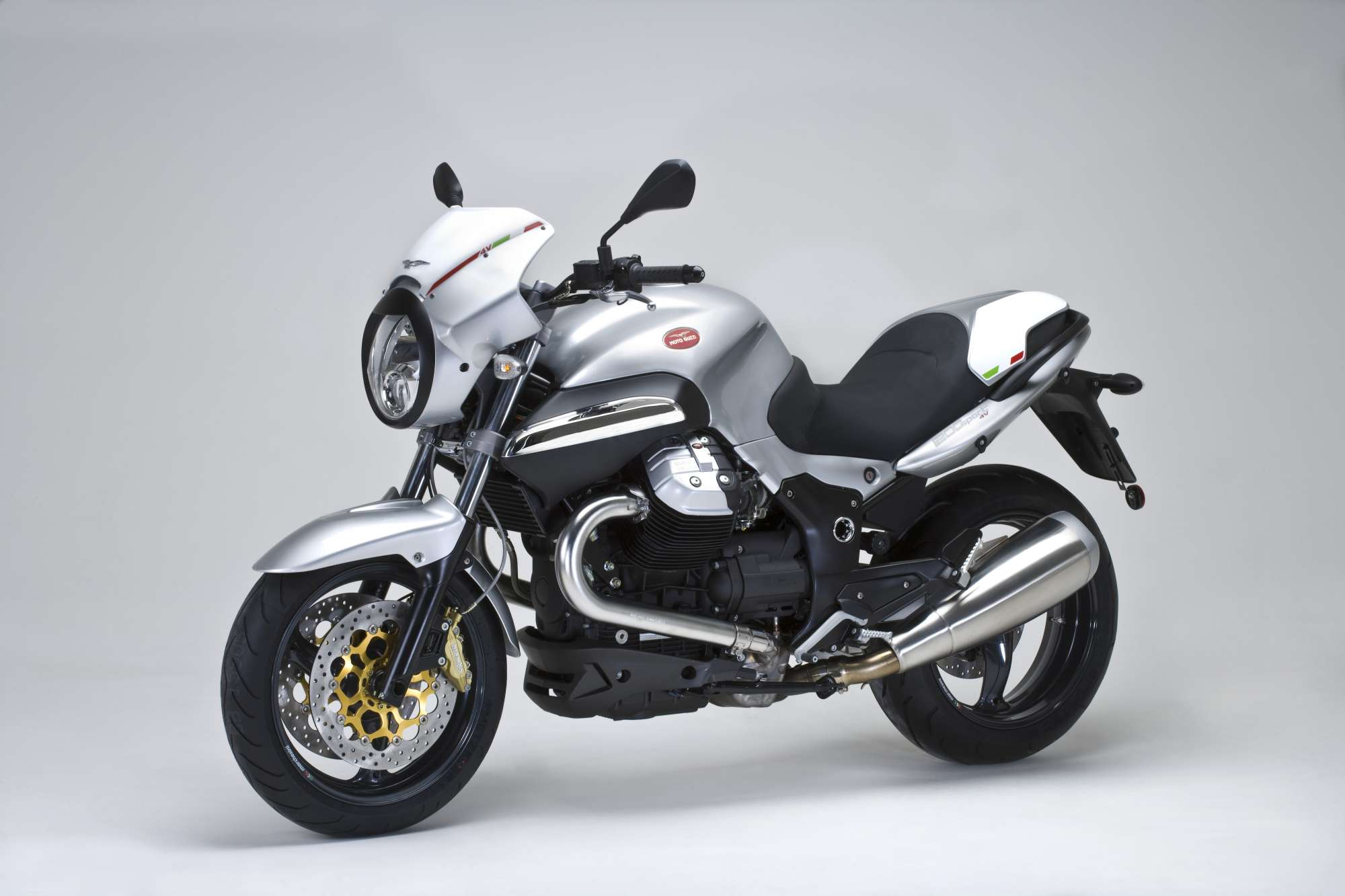 gebrauchte und neue moto guzzi 1200 sport motorr der kaufen. Black Bedroom Furniture Sets. Home Design Ideas