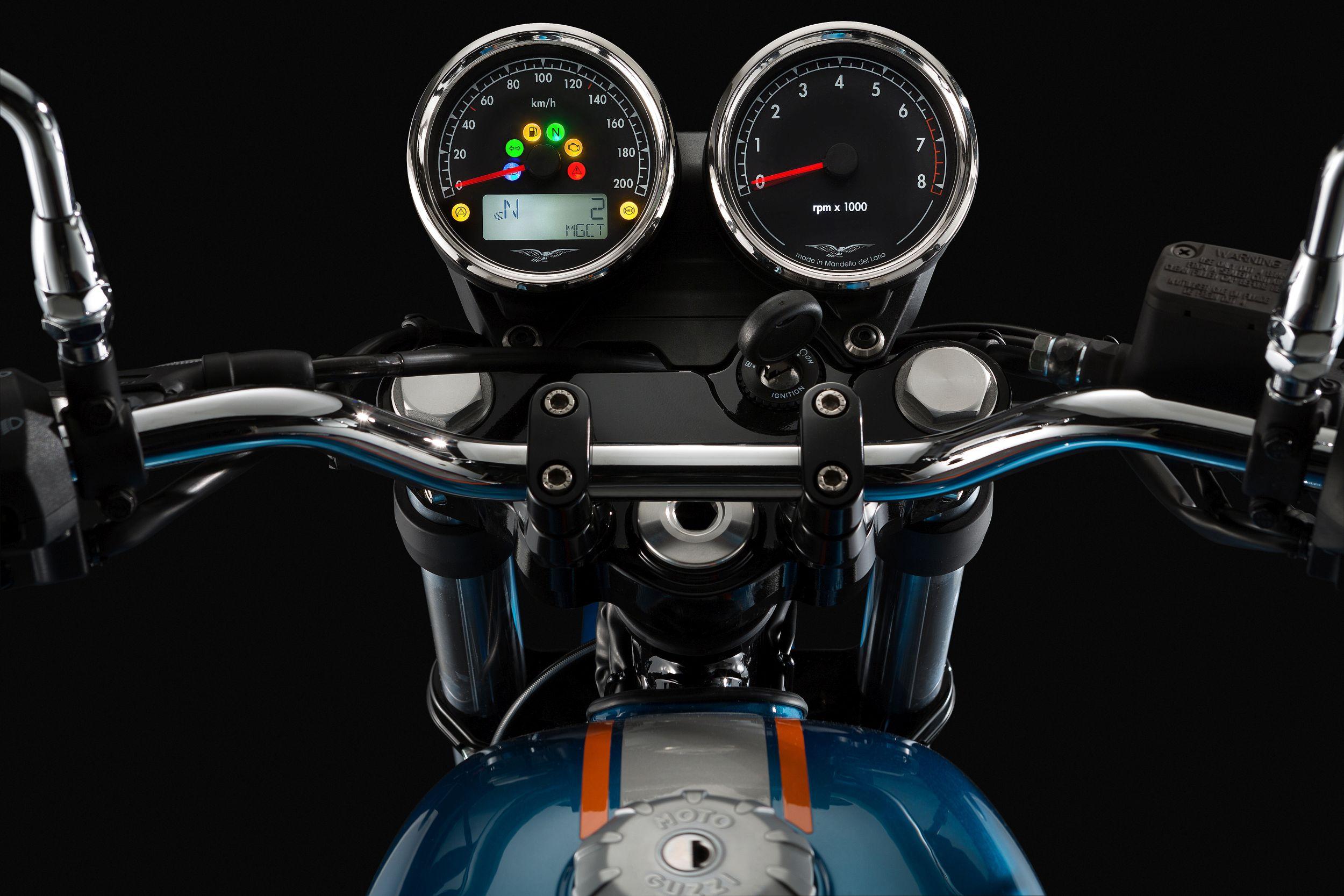 gebrauchte und neue moto guzzi v7 iii special motorr der kaufen. Black Bedroom Furniture Sets. Home Design Ideas