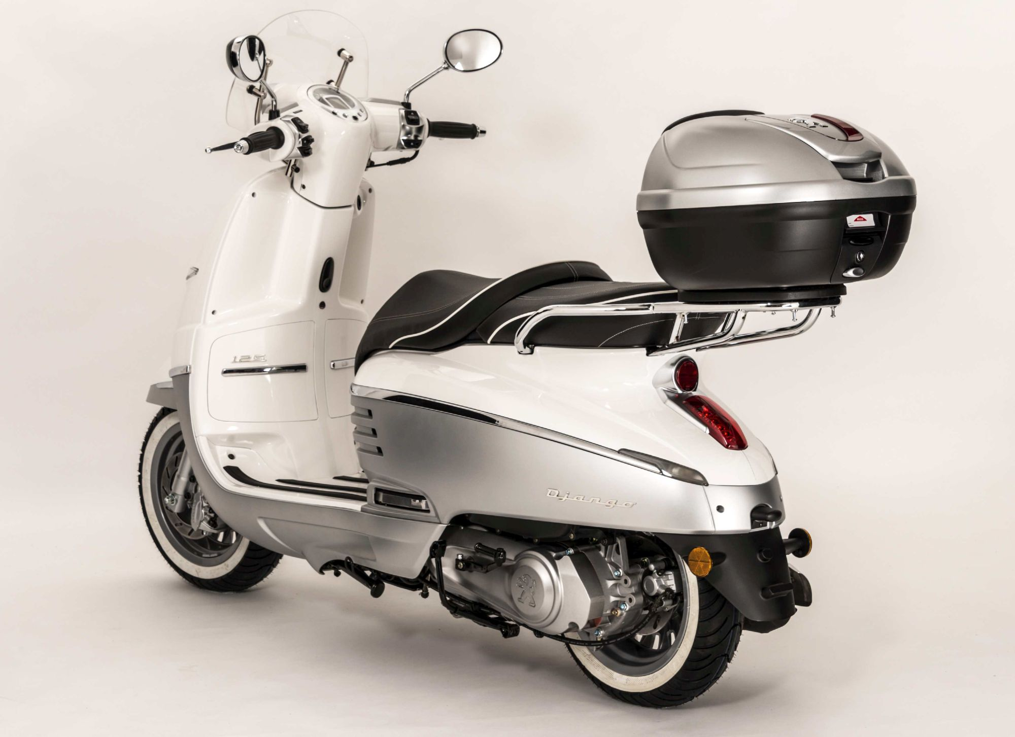 Gebrauchte und neue Peugeot Django 150 Allure Motorräder