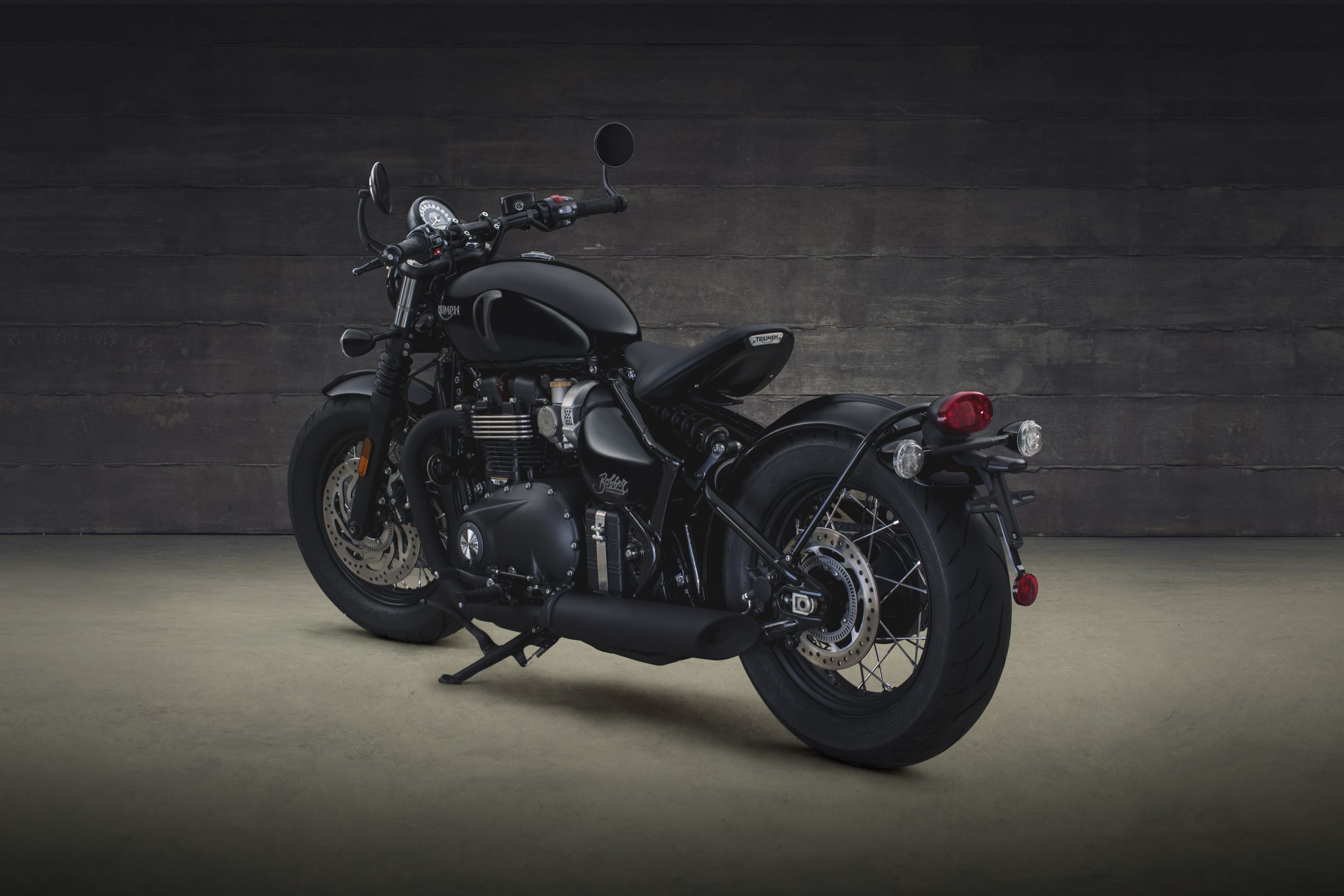 gebrauchte und neue triumph bonneville bobber black. Black Bedroom Furniture Sets. Home Design Ideas