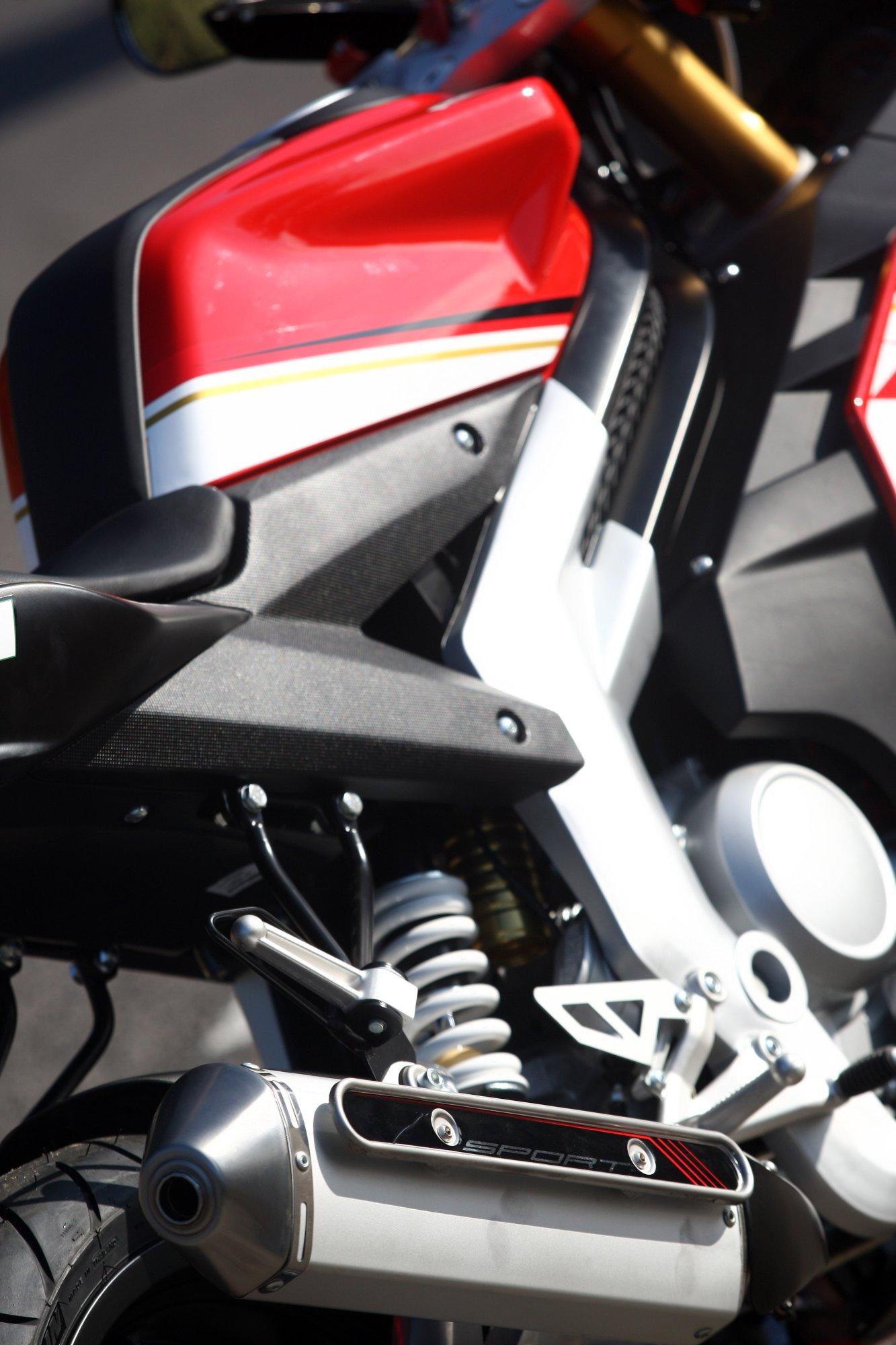 gebrauchte und neue rieju rs3 125 motorr der kaufen. Black Bedroom Furniture Sets. Home Design Ideas