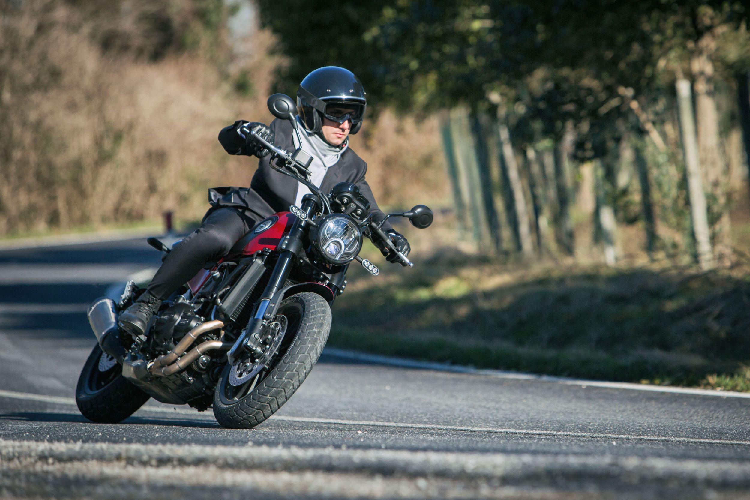 Gebrauchte Und Neue Benelli Leoncino Motorr 228 Der Kaufen
