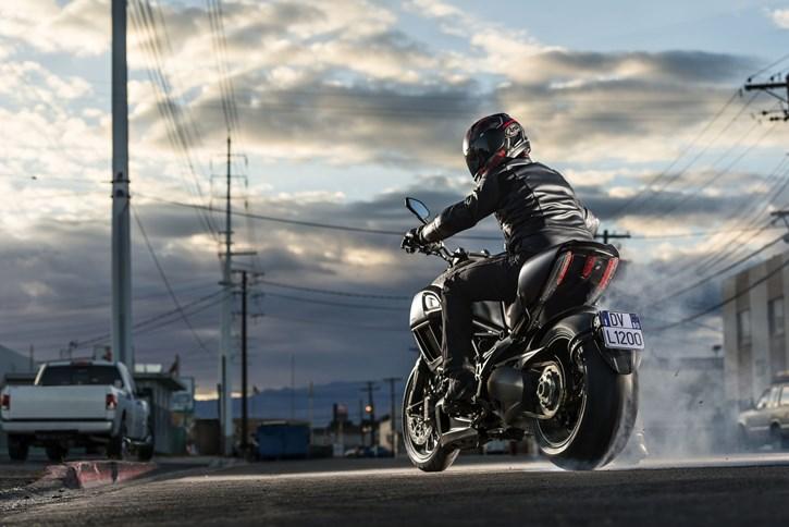 Ducati Diavel - Dark Stealth Schnäppchen