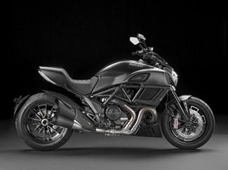 Ducati Diavel - Dark Stealth Sonderangebot
