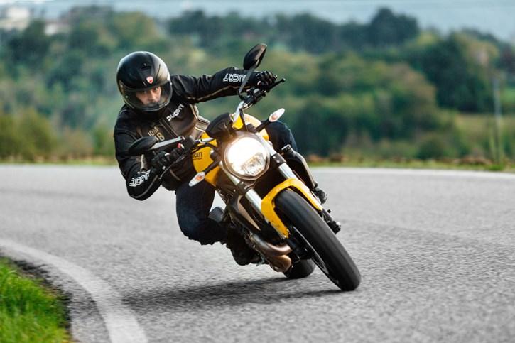 Ducati Monster 821 Schnäppchen
