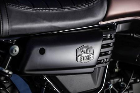 V7 III Stone Night Pack