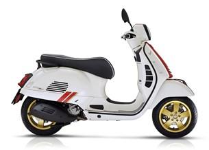 Vespa GTS 300 Super Racing Sixties