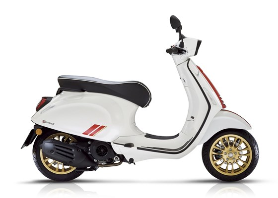 Vespa Sprint 125 Racing Sixties