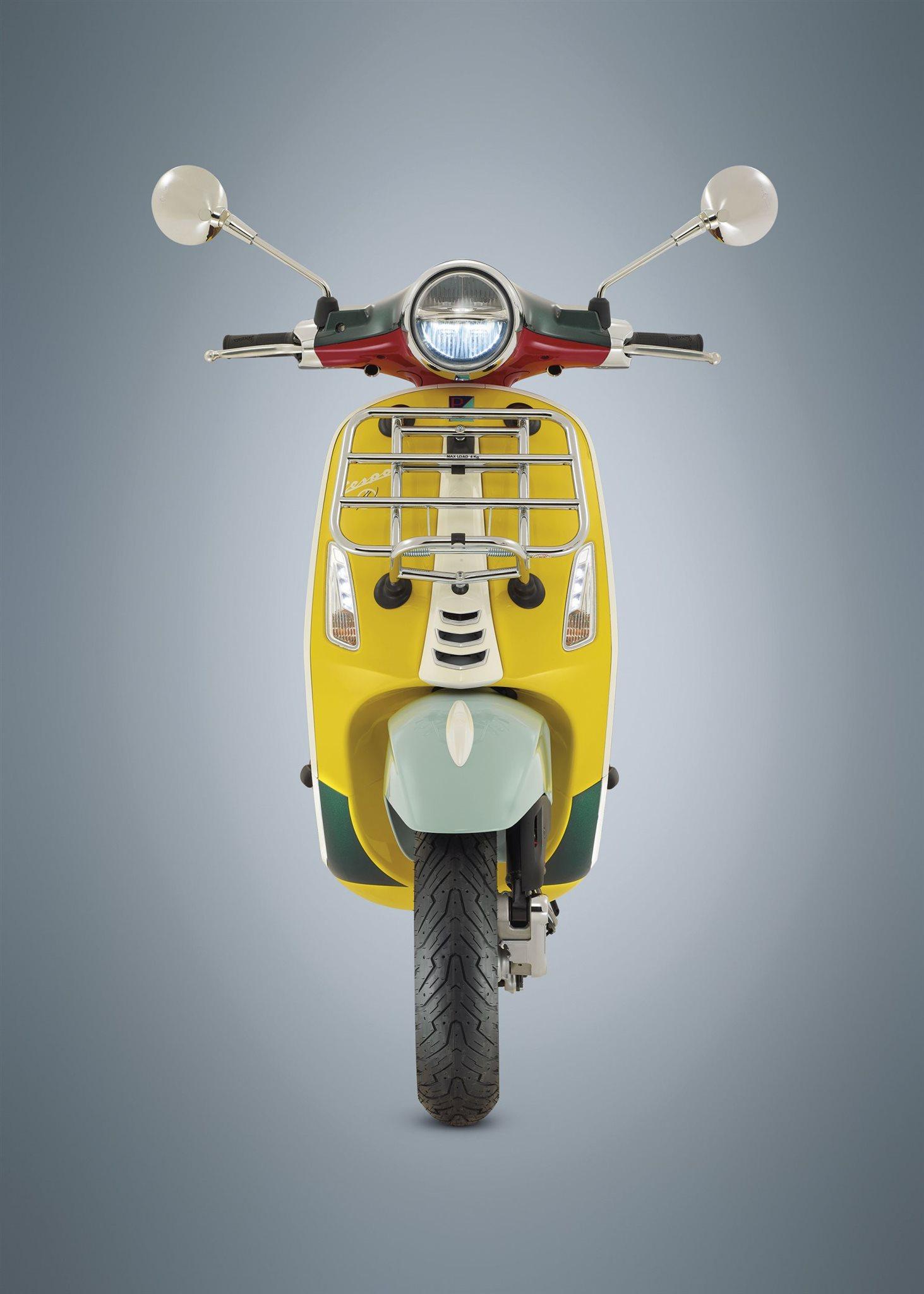 Vespa Sprint 125 iGet Notte