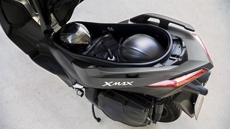 X-MAX 400