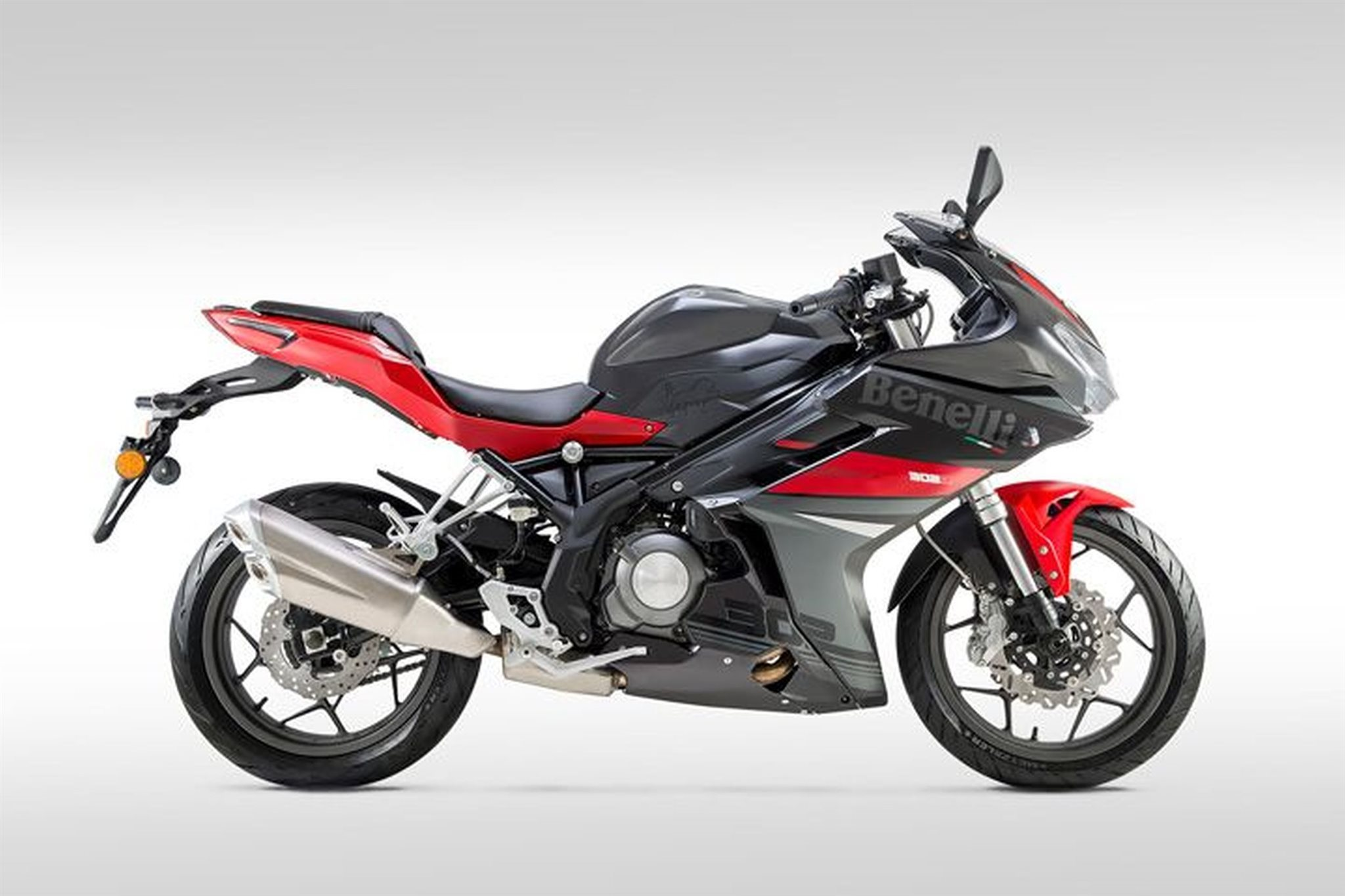 BENELLI BN 302 R - HIMMOTOSHOP