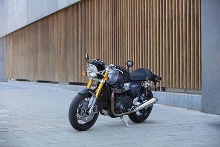 Thruxton RS