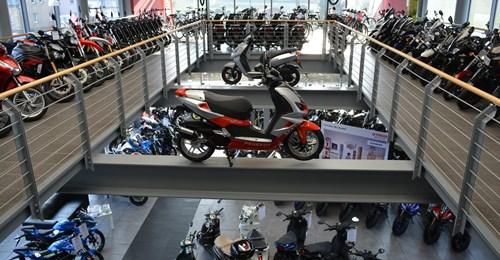Motorradverkäufer/-in - ab sofort -