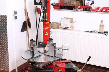 /job-angebot-motorradmechaniker-fachbereich-motorrad-w-m-d-2419
