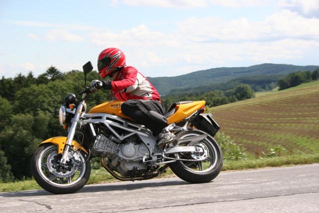 2007 Hyosung GT 650 Naked / GT 650 Comet - Moto.ZombDrive.COM