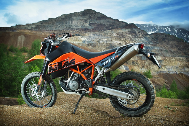ktm 950 super enduro r testbericht. Black Bedroom Furniture Sets. Home Design Ideas