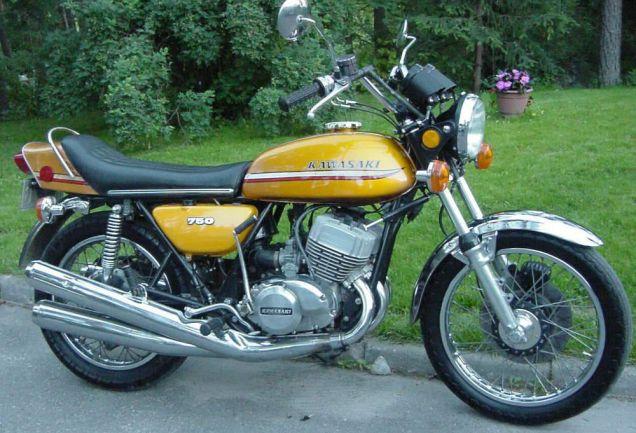 Kawasaki H2: 72 PS waren Anfang der 70er ein Wort. Eigentlich unfahrbar, aber heute Kult.