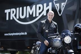 Triumph Markenbotschafter Simon Licht anzeigen