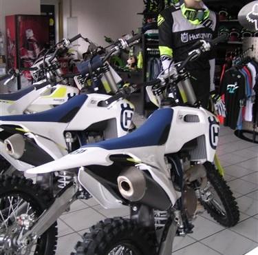 Neue Husqvarna Bikes und neue Husqvarna MX Bekleidung!
