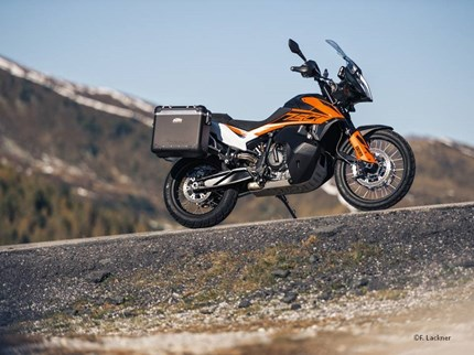 KTM 790 Adventure 2019  Heiß ersehnt und nun endlich vorgestellt! Jetzt die neue KTM 790 Adventure entdecken! Wenn du ... Weiter >>