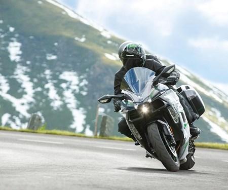 Die neue Ninja H2 SX SE+: Der beste Kompressor für die Tour
