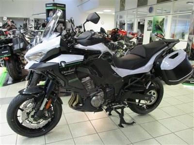 Die neue Kawasaki Versys 1000 & Z 650 Team-Performance sind da !