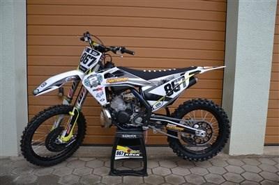 Pimp my Bike !!! Manuel hat sich dieses Motto zu Herzen genommen und seine Husqvarna TC 250 gestylt! Herzliche Gratulation, es ist sehr, sehr schö... Weiter >>