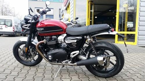 >>> Brandaktuell: TRIUMPH Bikes: SPEED TWIN 1200 und TRIUMPH SCRAMBLER 1200 XE eingetroffen ! <<< TOPNEWS