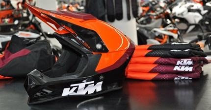 KTM Powerwear Offroad Kollektion 2020....  .... eingetroffen!!! Vorbei schauen lohnt sich :)