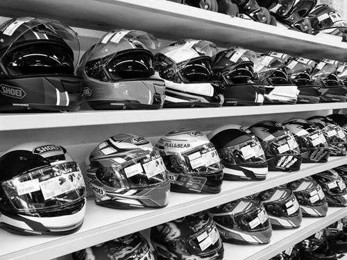 Welche Helmgröße brauche ich? Motorradhelmgröße ermitteln!