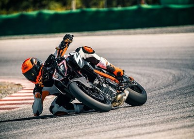 EMG News Aktion KTM 1290 SuperDuke R